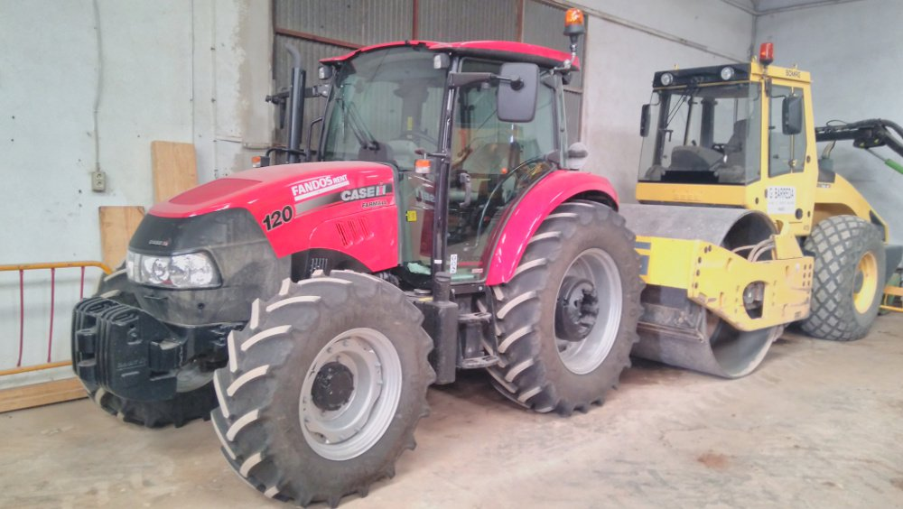 Tractor Case 120
