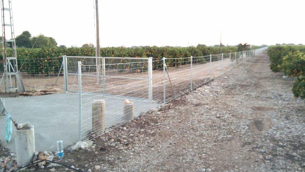 Precio metro lineal vallado finca affordable malla simple - Vallar un terreno ...